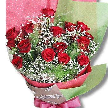 《愛之戀》紅玫瑰滿天星花束