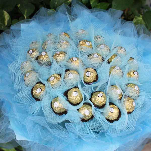 【特價花束】《甜蜜戀人-滲透想念》33朵甜蜜金莎巧克力花束
