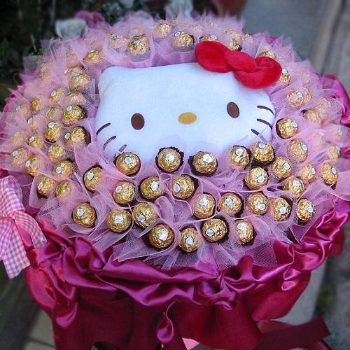 《沉浸愛情》代購kitty玩偶+華麗99朵金莎巧克力
