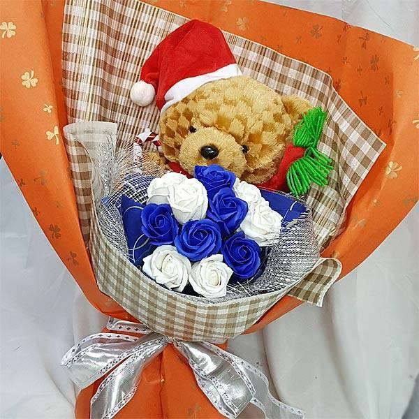 《聖誕快樂》泰迪聖誕熊11朵藍白皂花束