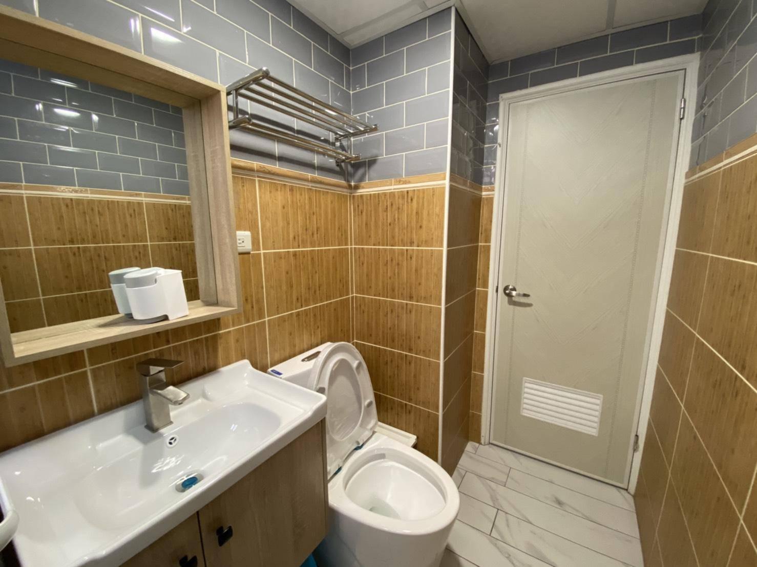 地鐵磚【HGU10202灰色 亮面】商空,浴室,廚房 實景拍攝