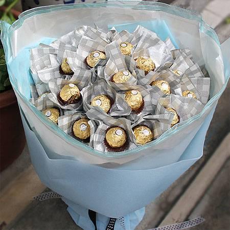 《星空下的戀人》30朵甜蜜金莎巧克力花束