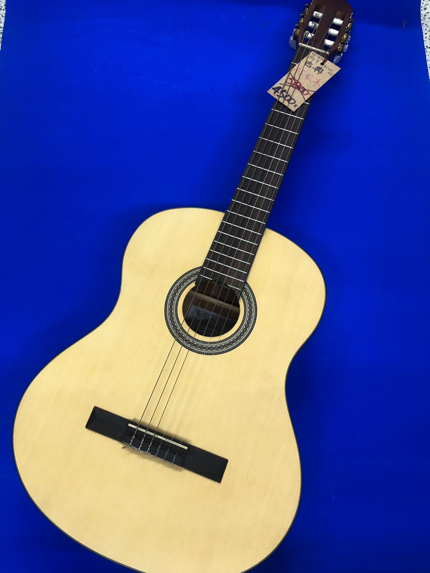 古典吉他  紅杉木  特價中  全省免運  感謝各大媒體爭鋒採訪