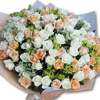 《情意相投》99朵白玫香檳玫瑰花束