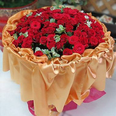 豪華包裝-《纏綿》99朵紅玫瑰花束