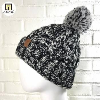 O.MOSA 羊毛粗獷手鉤立體麻花毛球快乾針織帽(時尚黑)