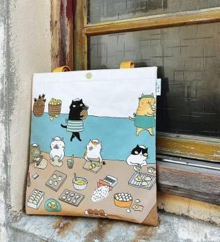【Greenyoyo】貓小姐Ms.Cat-學院風側背袋_臺中車站的中央貓廚